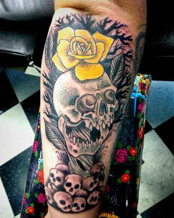 Significato e Idee Tatuaggi floreali  Tatuaggi con Rose: Significato, 50 immagini a cui ispirarsi