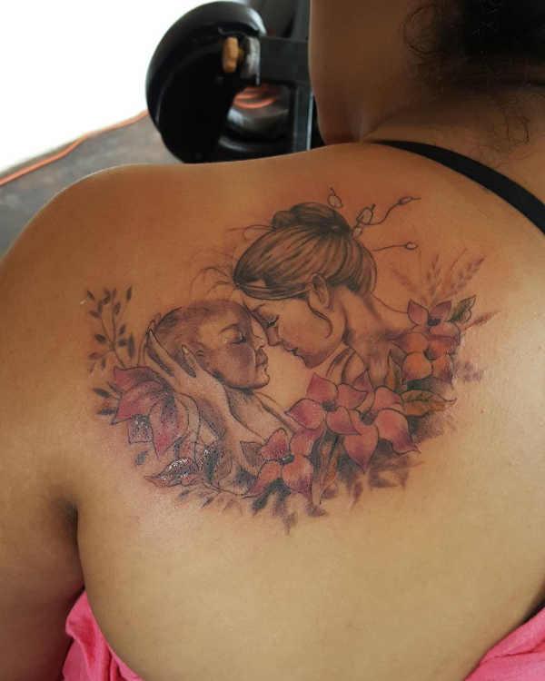 Significato e Idee  Tatuaggi per la Mamma: Significato, 60 immagini a cui ispirarsi