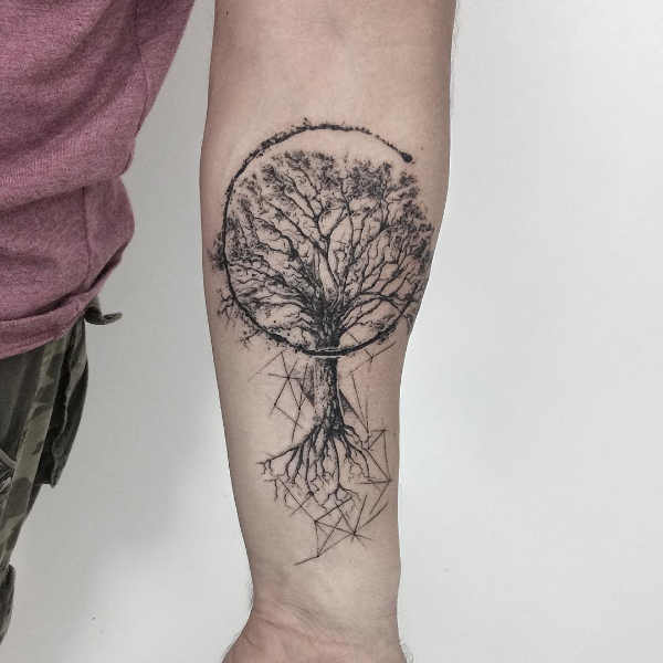 Tatuaggio albero significato idee e foto for Minimal significato