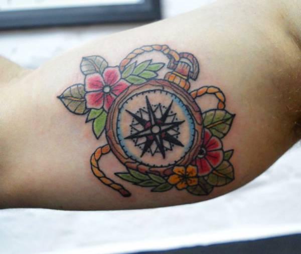 tatuaggio bussola significato 70 idee per un tatuaggio