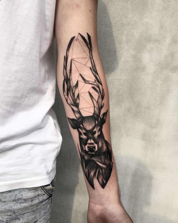 Animali Significato e Idee  Tatuaggio Cervo: Significato, Idee e Foto