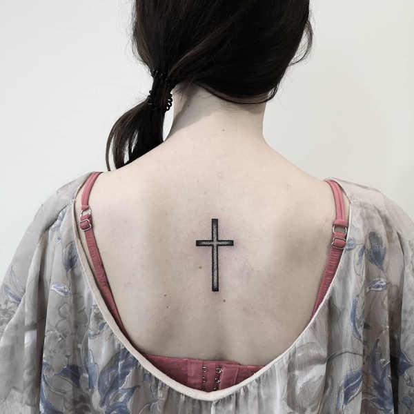 Significato e Idee  Tatuaggio Croce: Significato, Idee e Foto