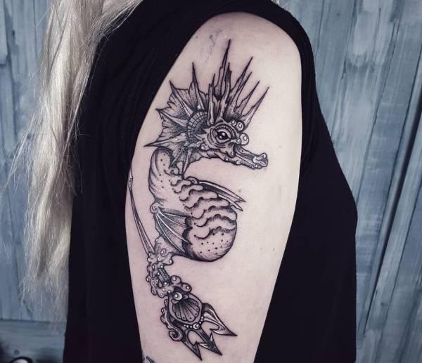 Animali Significato e Idee  Tatuaggio cavalluccio Marino: Foto, Significato, Idee