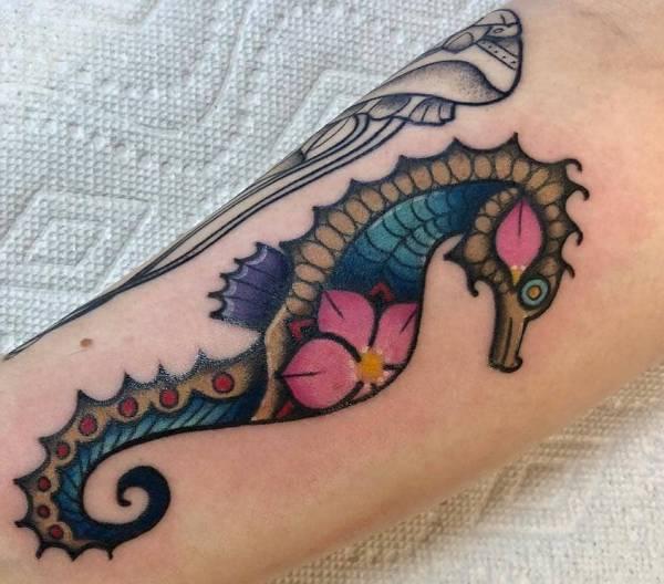 Tatuaggio Cavalluccio Marino Foto Significato Idee Tatuaggio Co