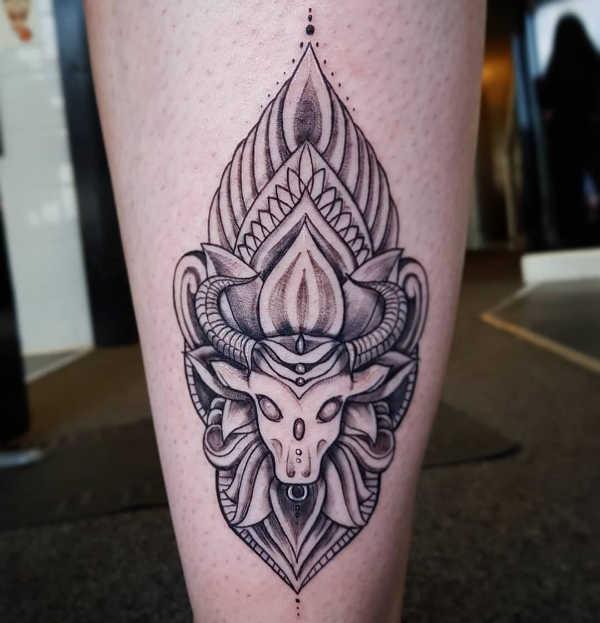 Animali Significato e Idee  Tatuaggio Toro: Significato, Idee e Foto
