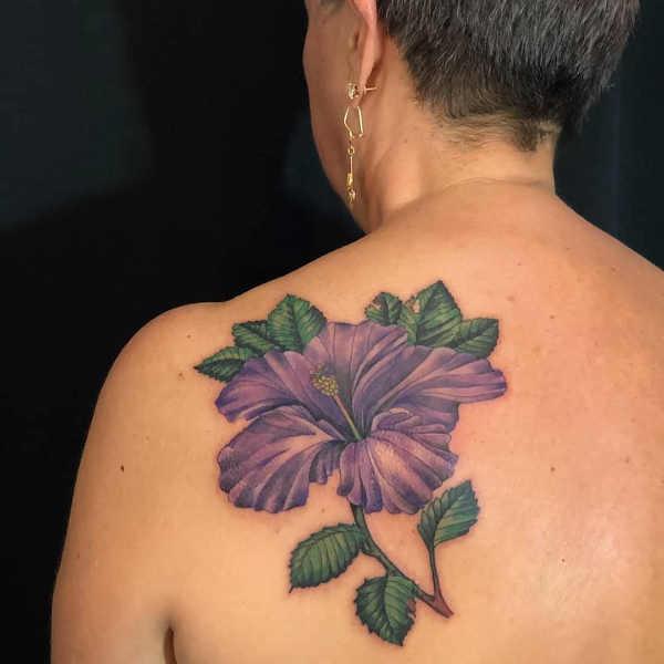 Significato e Idee Tatuaggi floreali  Tatuaggio Fiore di Ibisco: Significato, Idee e Foto