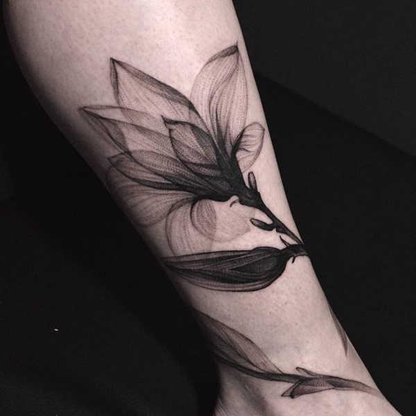 Significato e Idee Tatuaggi floreali  Tatuaggio Giglio: Significato, Idee e Foto