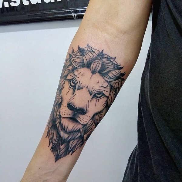 Tatuaggio Leone: Significato, Idee e Foto - Tatuaggio.co