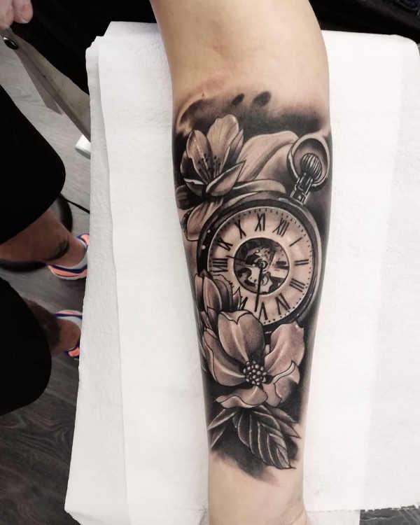 Tatuaggio Orologio: Significato, Idee e Foto - Tatuaggio.co