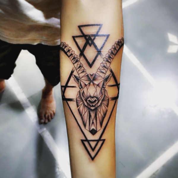 Significato e Idee Tatuaggi dei segni zodiacali  Tatuaggio Segno Zodiacale del Capricorno: Significato, Idee e Foto