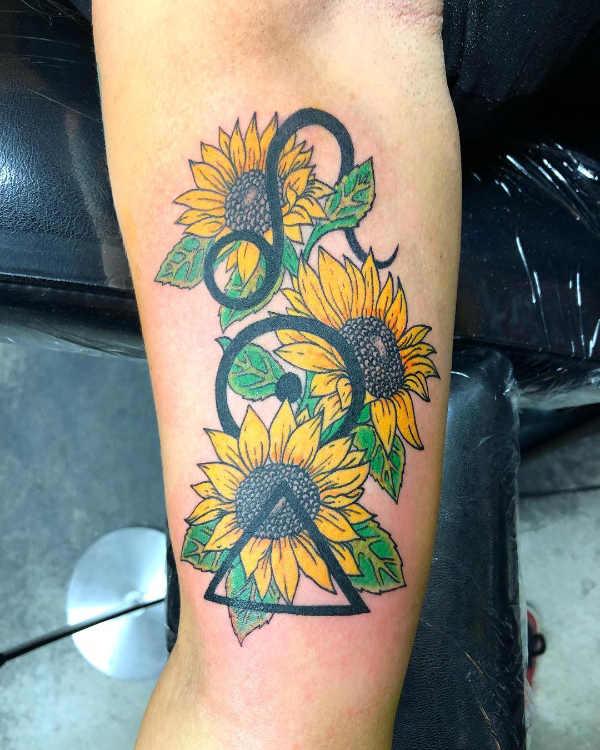 Significato e Idee Tatuaggi dei segni zodiacali  Tatuaggio Segno Zodiacale del Leone: Significato, Idee e Foto