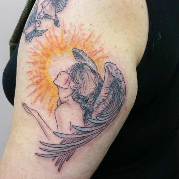 Significato e Idee  Tatuaggio Sole: Significato, Idee e Foto