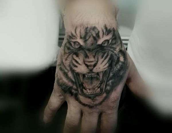Tatuaggio Tigre Significato, Idee e Foto Animali Significato e Idee